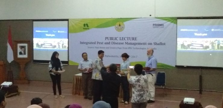 "Kuliah Umum Internasional ""Integrated Pest and Disease Management on Shallot"""